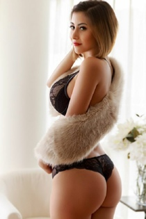 richpeopleescorts-izzy